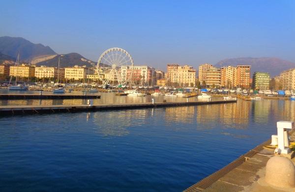 Salerno: Ein idealer Urlaubsort für Tagesausflüge an die ...